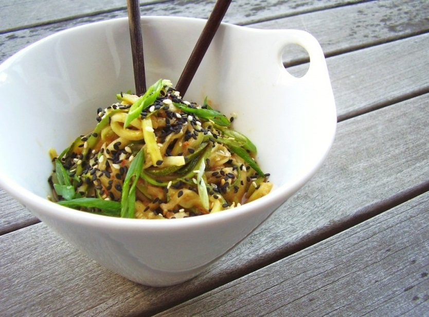 Heal n Cure - Cold peanut-sesame zucchini noodles