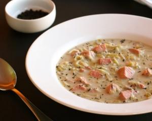 Creamy Leek & Salmon Soup