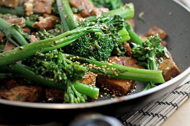 broccolini-with-tofu-sesame-and-coriander